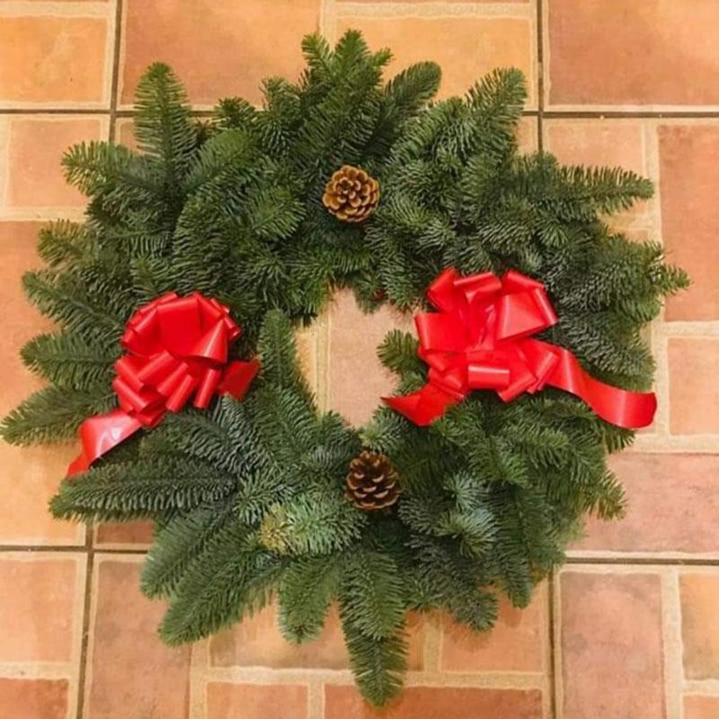 ballykelly-christmas-trees-wreath